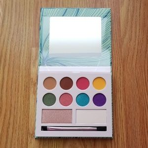 Laura Sanchez Makeup - Laura Sanchez Moods Eyeshadow And Highlighter